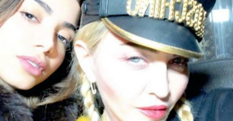 Anitta posa ao lado de Madonna e se derrete: