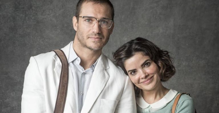 O casal deixa a casa de Mirtes