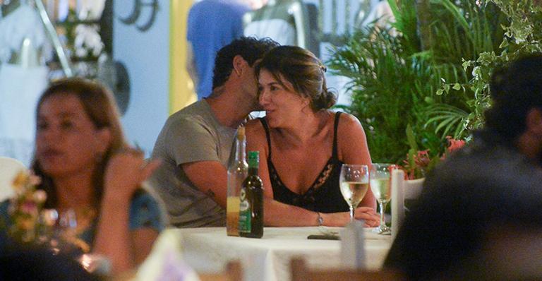 Novo casal é flagrado em restaurante de Trancoso