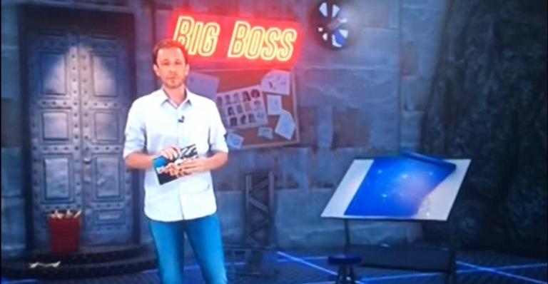 Foi apenas uma distração do apresentador ou tem caroço nesse angu? Mistério!