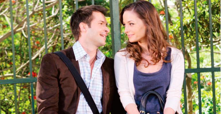No capítulo da quarta 06/02, Olívia pergunta a Renê e Helena se eles estão juntos, e os dois desconversam