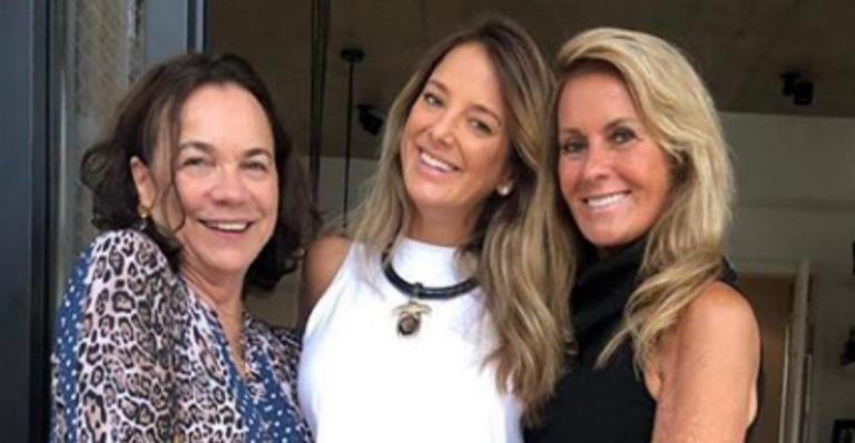 Tici Pinheiro ganha carinho da sogra e matriarca durante festa de aniversário