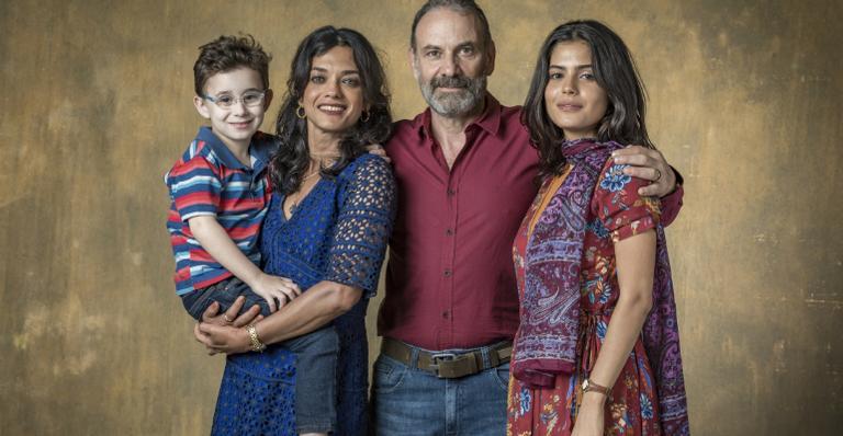 Ana Cecilia Costa, Julia Dalavia, Marco Ricca e Rodrigo Vidal em 'Órfãos da Terra'