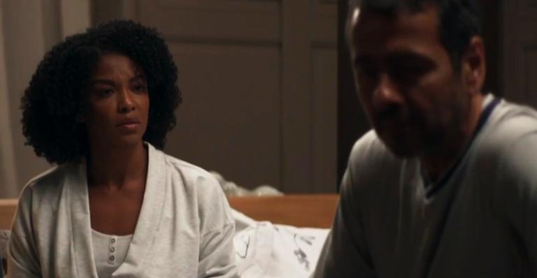Heloísa Jorge como Gilda e Marcos Palmeira como Amadeu em 'A Dona do Pedaço'