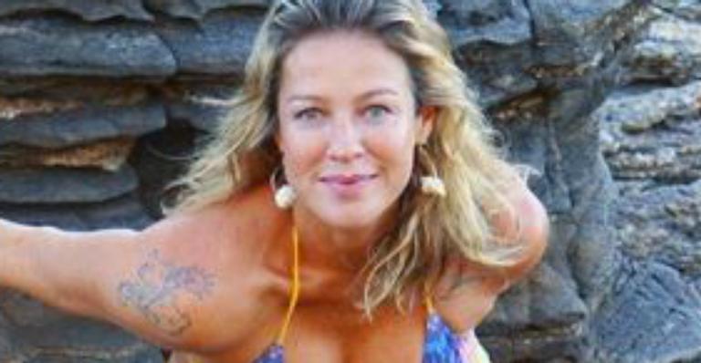 Luana Piovani mostra corpão em clique de biquíni