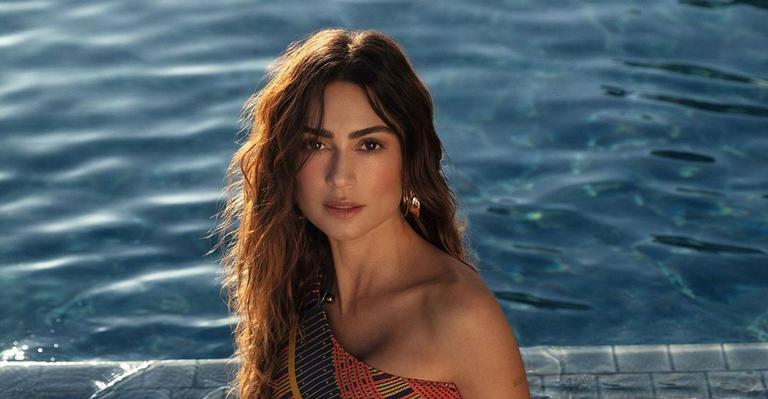 A atriz compartilhou clique em seu perfil exibindo a boa forma