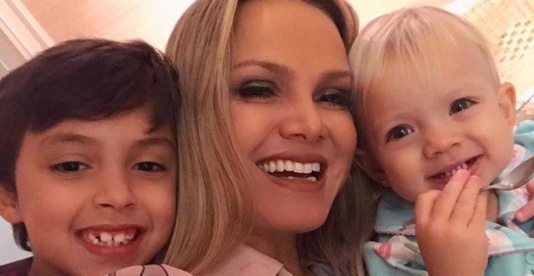 A loira aqueceu o coração dos fãs com clique espontâneo da filha de 1 aninho de idade