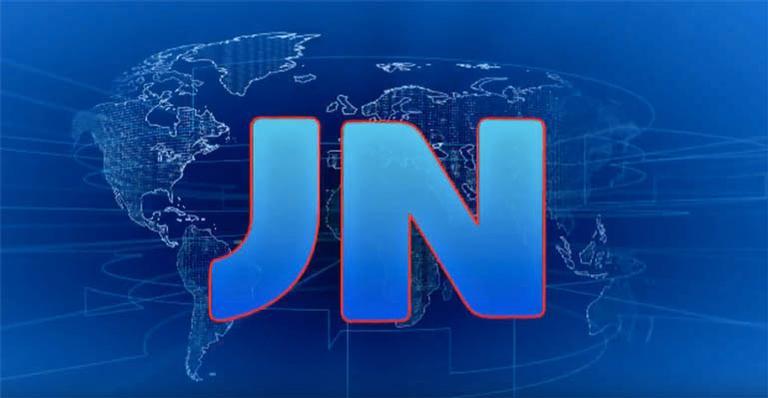 Jornalista fica eufórica ao ser sorteada por William Bonner para assumir a bancada do JN