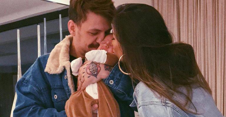 A esposa de Saulo Poncio derreteu corações ao registrar a soneca do filho de 1 mês