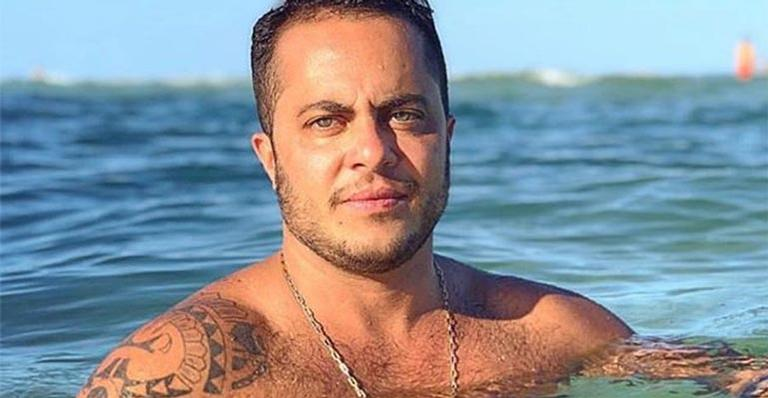 O pai babão encantou web ao mostrar tatuagem que fez para o filho
