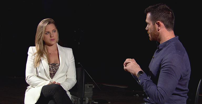 Aline Hauck no programa Domingo Show