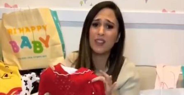 Confusa, atriz fez post nas redes sociais e disse que filha pode não mais chamar Cora Maria