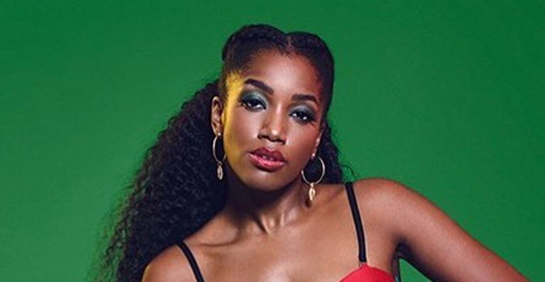 A cantora assumirá posto de Rainha de Bateria da Escola de Samba carioca em 2020