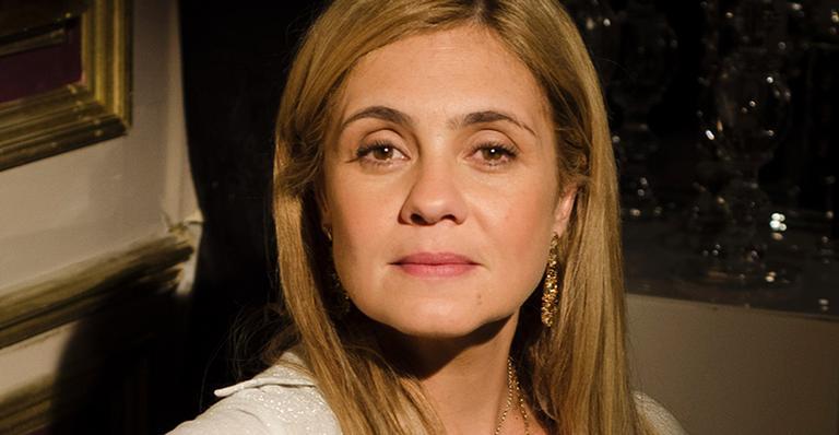Adriana Esteves como Carminha em Avenida Brasil