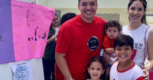 Wesley Safadão e família prestigiam feira de ciências de Yhudy