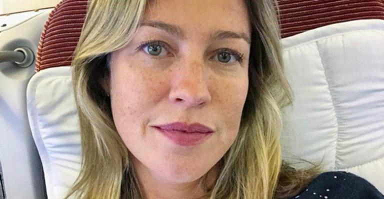 Luana Piovani posa coladinha nos três filhos e beleza impressiona