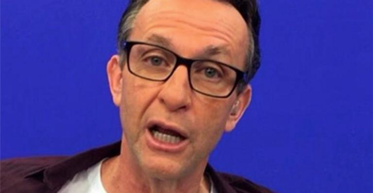 Apresentador de Os Donos da Bola, Neto, abandona programa ao vivo