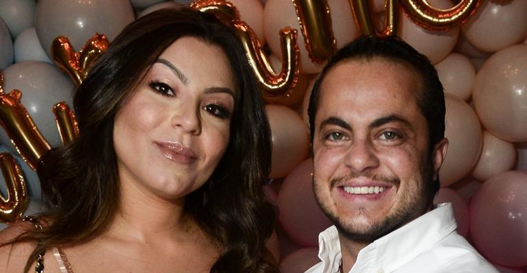 Esposa de Thammy Miranda posou nua e exibiu barrigão de 6 meses de gravidez