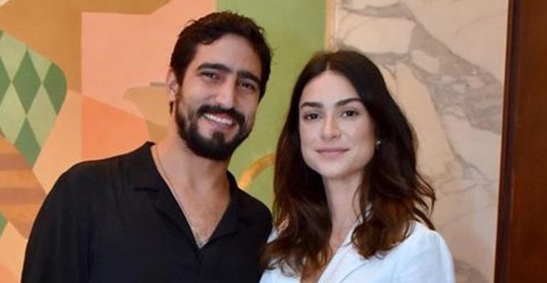 Thaila Ayala e Renato Góes ficam hospedados em resort de luxo