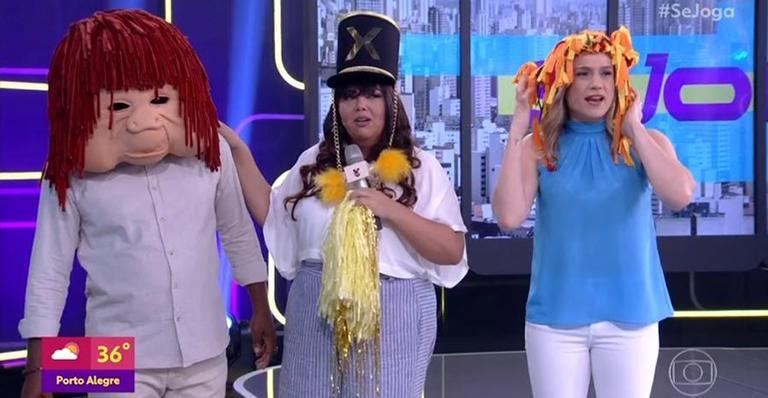 Fabiana Karla se veste de Paquita e manda beijo para Xuxa em programa da Globo