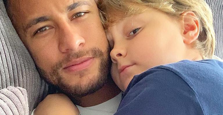 Neymar Jr. surge em momento descontraído com o filho, Davi Lucca
