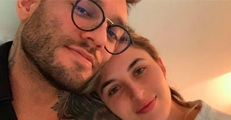 Lucas Lucco cancela shows para cuidar da noiva, Lorena Carvalho, que está internada