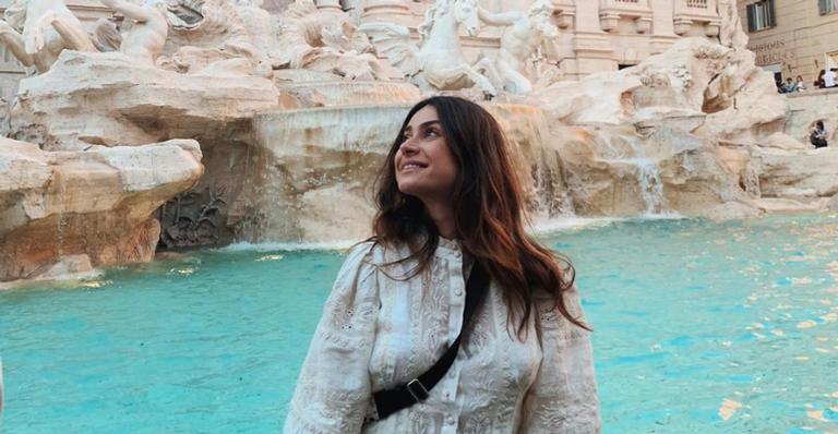 Em lua de mel, Thaila Ayala visita famoso ponto turístico da Itália e faz comentário inusitado