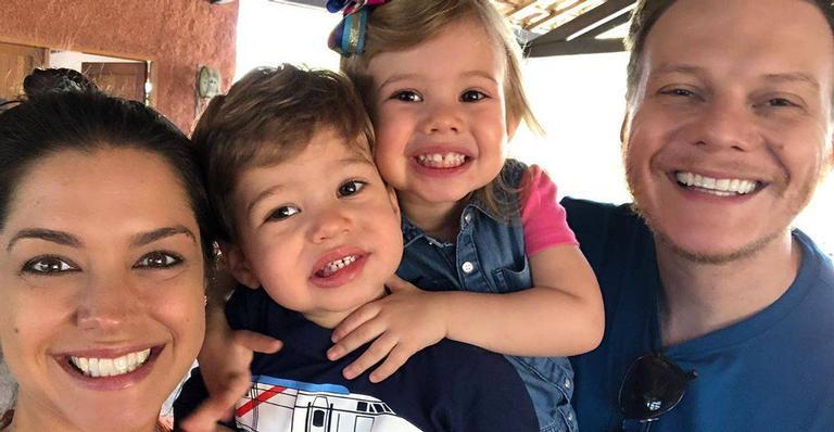 A atriz ainda falou da alegria dos filhos no momento dos cliques nesta sexta-feira (8)