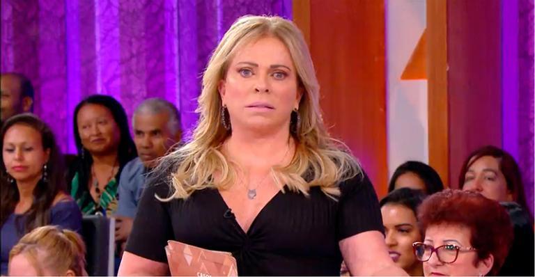 Ela interrompeu gravação para protagonizar momento de fé para o apresentador