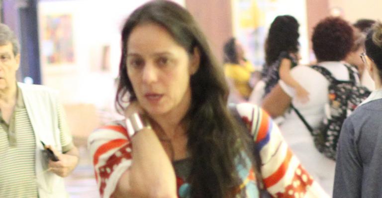 Após reatar com o marido, atriz fez raríssima aparição ao lado dos gêmeos; veja