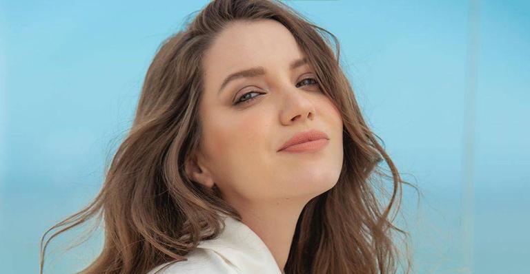 A atriz está curtindo suas férias após o fim da trama de 'A Dona do Pedaço'