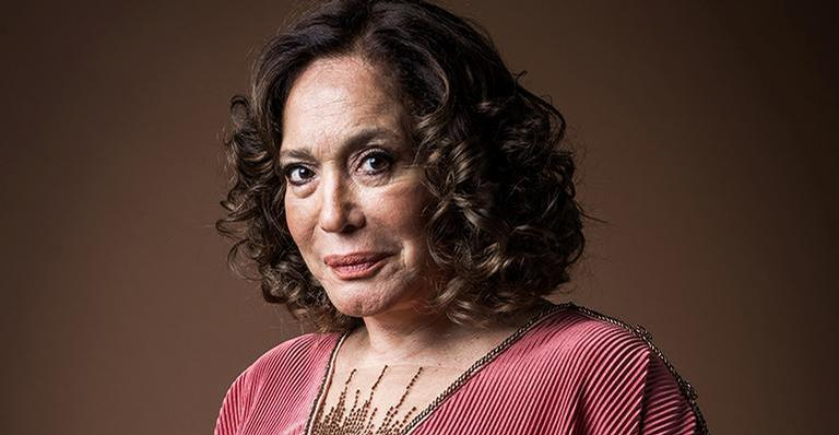 Atriz erra nome de ator e descobre que humorista deixou a Globo: 'Coitado'