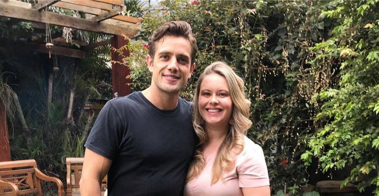 O casal compartilhou o registro na tarde desta sexta-feira (6)