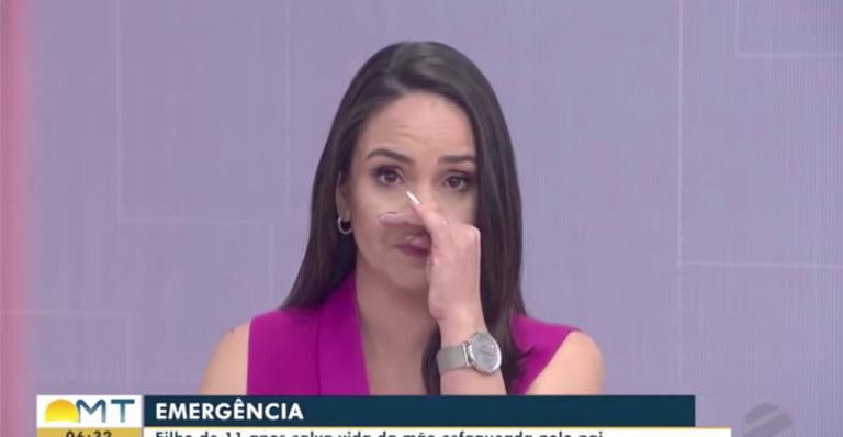 Apresentadora da Globo chora em reportagem ao vivo sobre criança