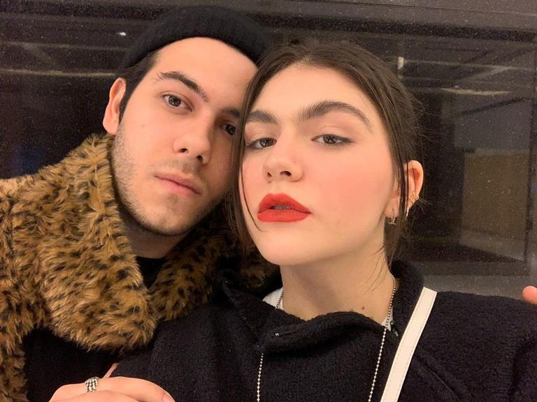 Filho de Murilo Benício recebe homenagem da namorada com fotos românticas