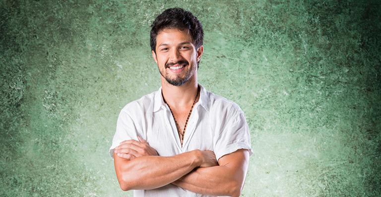 Ator encanta ao dar adeus para novela da Globo: 'Me despeço com amor'