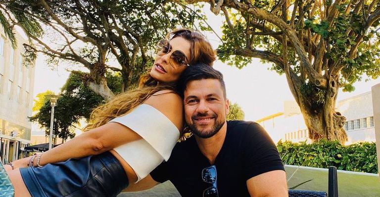 A atriz está curtindo férias com o marido e os filhos no Ceará