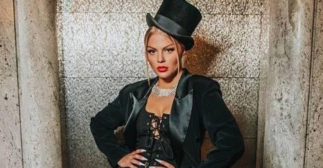 Cantora recebe mais de meio milhão de pessoas no evento e agradece apoio dos fãs