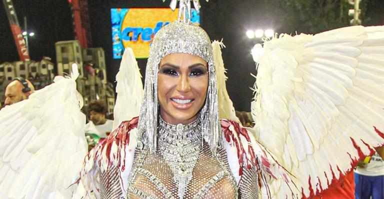 Musa fitness arrasa na Sapucaí e explica a ausência do marido, Belo, na concentração