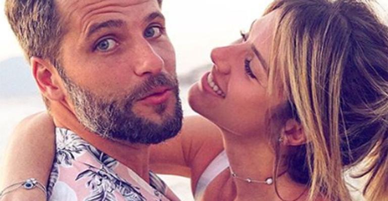 Ao lado de Bless e Titi, casal está hospedado em mansão gigante na serra do Rio; veja fotos