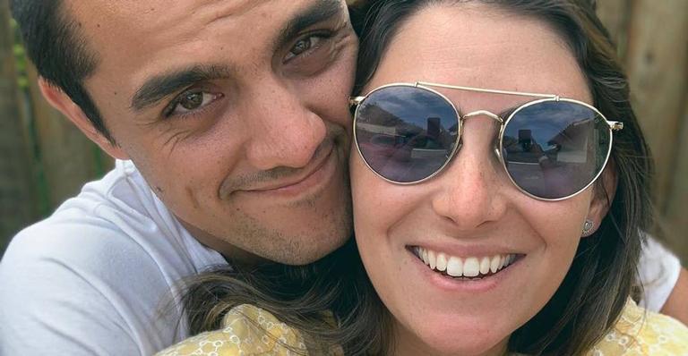 Esposa de Felipe Simas publica clique do filho mais novo em sono profundo
