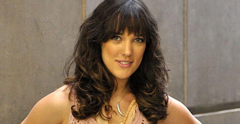Sem contrato com qualquer emissora, atriz abre o coração ao falar da volta indireta à TV