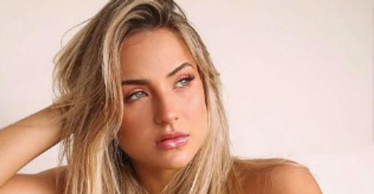 Cantora impressionou seguidores, amigas e famosas ao fazer carão e sensualizar em clique para as redes sociais