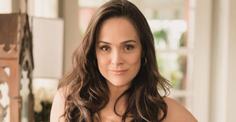 Atriz reiterou afeto por Regina Duarte e publicou longo desabafo em que justifica seu silêncio