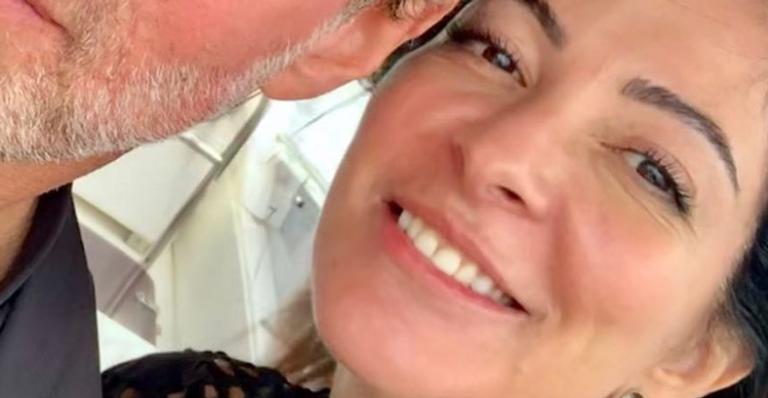 Apresentadora derreteu web com raro post romantico para novo parceiro