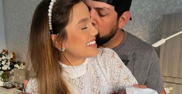 Sertanejo deixou web boquiaberta com beleza e simpatia do seu primeiro bebê
