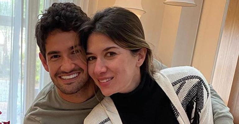 Alexandre Pato se declara para Rebeca Abravanel no primeiro aniversário de casamento: 'Você é tudo que sonhei' – Contigo!