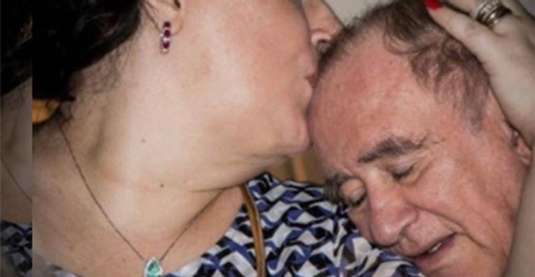 Casada com o humorista há quase 30 anos, ela usou as redes sociais para desabafar