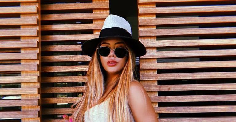 Irmã de Neymar Jr. aposta em decote generoso e agita web com clique sensual – Contigo!
