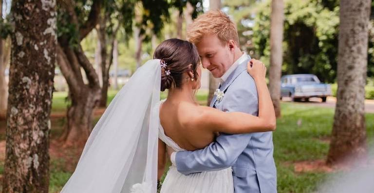 Gabi Luthai diz que nova cerimônia do casal será celebrada apenas em 2021, em respeito à quarentena